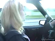 Quickie HandJob In Car