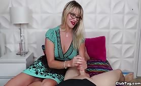 Glasses wearing MILF Vicky Vixxx Handjob