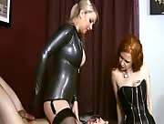 2 Dommes herk their slave's cock