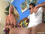 Blonde teen with bigtits to jerk off a man with glasses