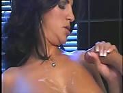 Sexy Handjon in Sauna