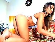Perfect Ass Babe Sucks her Dildo